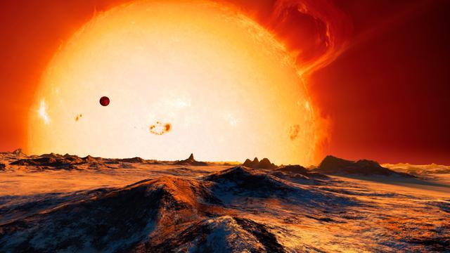 Aproximadamente dois bilhões de anos a partir de agora, a Terra terá se aquecido, evaporando os oceanos e erradicando todas as formas de vida. No entanto, Griffin sugere que o mundo microbiano pode ser o último estado da vida a ser encontrado em nosso planeta, antes que o Sol se expanda e fique tão quente, que eles também, serão destruídos. Crédito da Imagem: Detlev Van Ravenswaay/SPL.